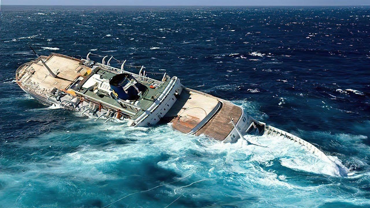 カメラが捉えた!恐ろしすぎる船の沈没の瞬間